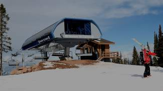 Vail gets new six rider chair 4 mountain opens friday for Chair 4 cliffs vail