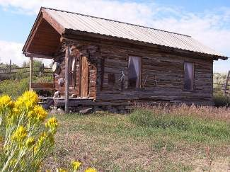 The Howe family lived in this homestead on Bellyache Mountain and made their living by dry land farming. Learn about the Howes, the stagecoach route and more local history at the Oct. 5 Diamond S History Tour.