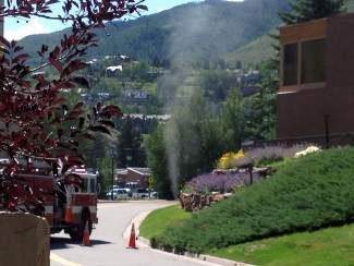 A natural gas leak caused by construction forced 600 people in the Lionshead Village area to evacuate on Wednesday. No injuries were reported.