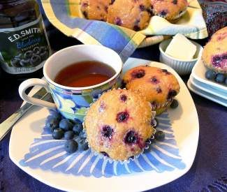 Keep some of these tasty muffins in the freezer and pull them out for breakfast or lunch.