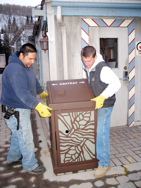 Bears require new garbage cans | VailDaily com