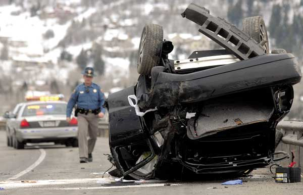 Woman critically injured in Avon crash | VailDaily com