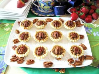 Special to the Vail Daily/Vera DawsonVail Baking: Serve these pecan tassie treats with sweetened berries.