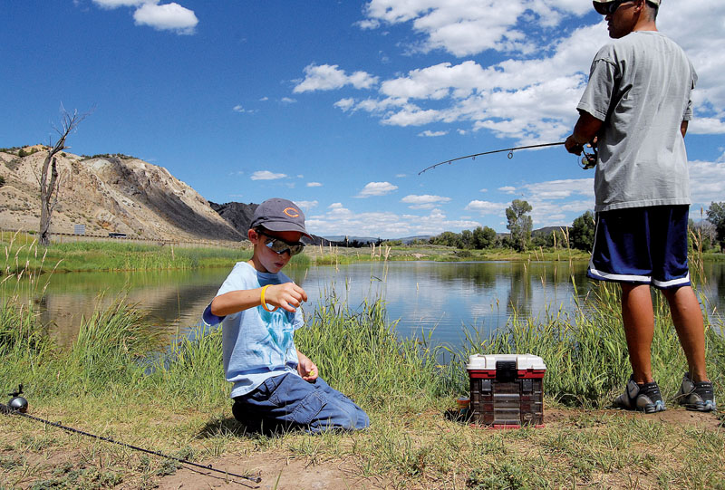 4 easy access fishing spots near vail in eagle county for Fishing spots in colorado springs