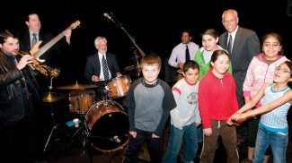 Special to the DailyTony Gulizia and the Jazz Goes to School Sextet with third- and fourth-graders on stage at the Vilar Performing Arts Center.