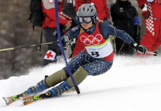 Sarah Schleper of the United States skis during the first run of the Womens Slalom at the Turin 2006 Winter Olympic Games in Sestriere Colle, Italy, Wednesday, Feb. 22, 2006. (AP Photo/Thomas Kienzle)
