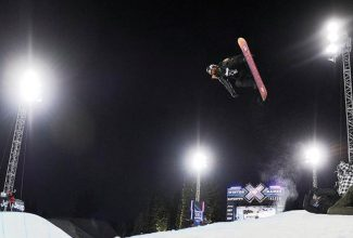 Shaun White wins gold, Sunday, January 30, 2011, in the Snowboarding Superpipe during the Winter XGames in Aspen. RJ Sangosti, The Denver Post