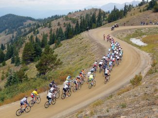 CHAFFEE COUNTY, CO - AUGUST 22:  The peloton climbs toward the summit of Cottonwood Pass during stage three of the USA Pro Challenge from Gunnison to Aspen on August 22, 2012 in Chaffee County, Colorado.  (Photo by Doug Pensinger/Getty Images)