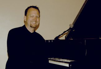 Special to the DailyJeff Van Devender, a versatile pianist who plays a diverse range of tunes, will perform Sunday at 2 p.m. at the Eagle Public Library.