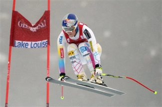 Lindsey Vonn, of the United States, speeds down the course in the women's World Cup downhill ski race in Lake Louise, Alberta, Friday, Nov. 30, 2012. (AP Photo/The Canadian Press, Jonathan Hayward)
