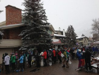 Rodney Gleiberman/Special to the DailyThe line to load Gondola One on Vail Mountain peaked around 8:45 a.m. Sunday morning with the line extending from the lift maze, down Bridge Street and in front of The Red Lion. The wait was around 25 minutes.