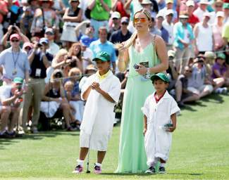 Photos: Lindsey Vonn watching Tiger Woods at the Masters ...