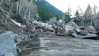 On Tuesday, the Colorado Department of Transportation closed State Highway 24 in both directions at Leadville and at Minturn due to a rockslide. The slide is at mile marker 148.9 and brought down more than 150 tons of rock onto the roadway. The slide happened around 2:30 a.m. and caused significant damage to the roadway. Geologists were called to the scene to assess the safety of the surrounding areas, particularly the rocks directly above the slide area.