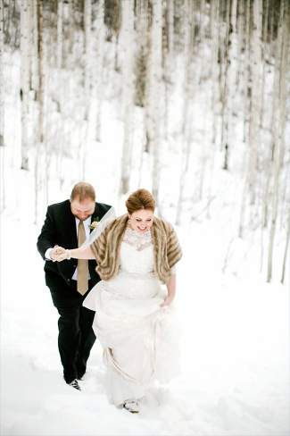 winter weddings fashion trends from sleeves and lace to