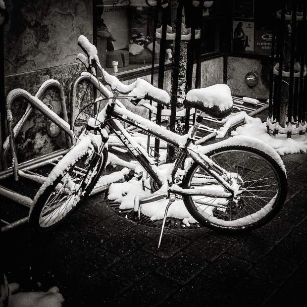 @olarockberg: No, you can't take your bike to work yet! Winter is back. #VailLive