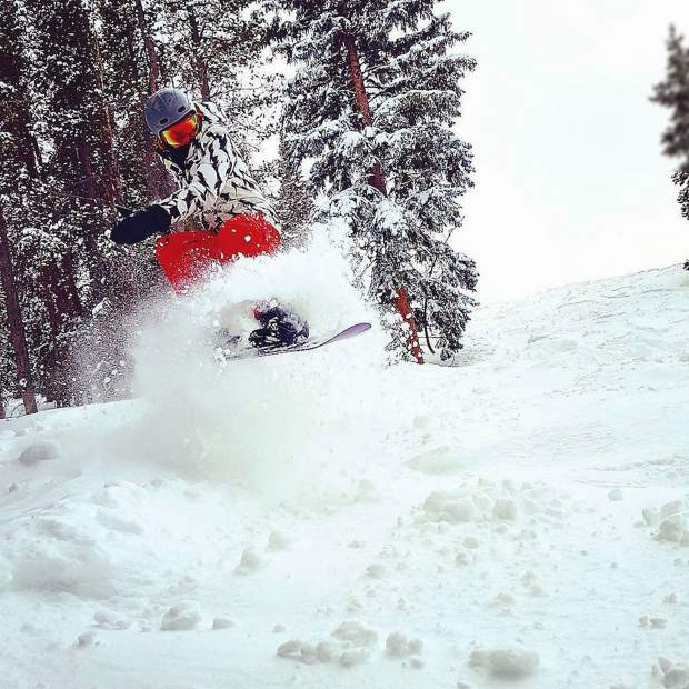 @jetty617: This is what pure bliss looks like ... My girlfriend riding that powder train. #VailLive