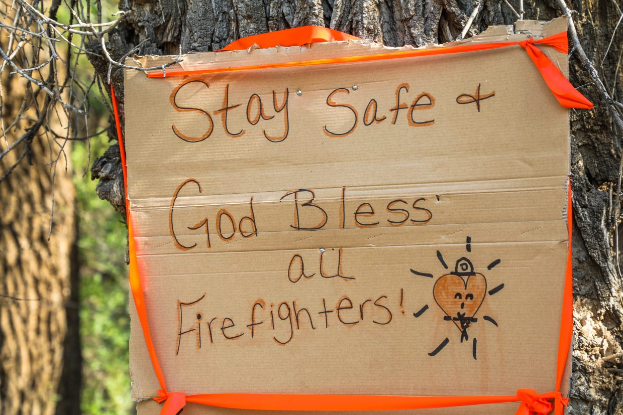 People left firefighters wishes to stay safe while battling the Gutzler Fire on Thursday near State Bridge.