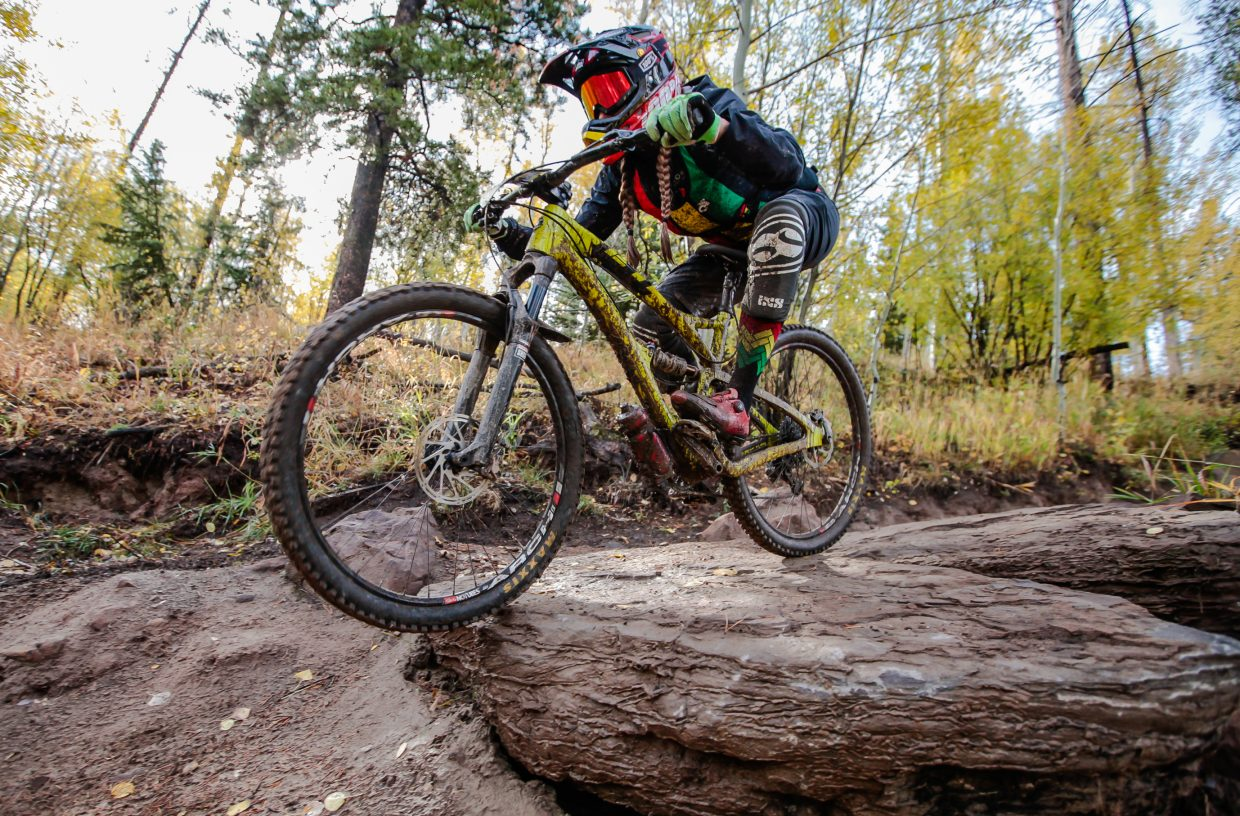 Riders make their way down Mane Lane Trail during the Rockshox Enduro race of the Outlier Offroad Festival Sunday, Oct .1 in Vail.