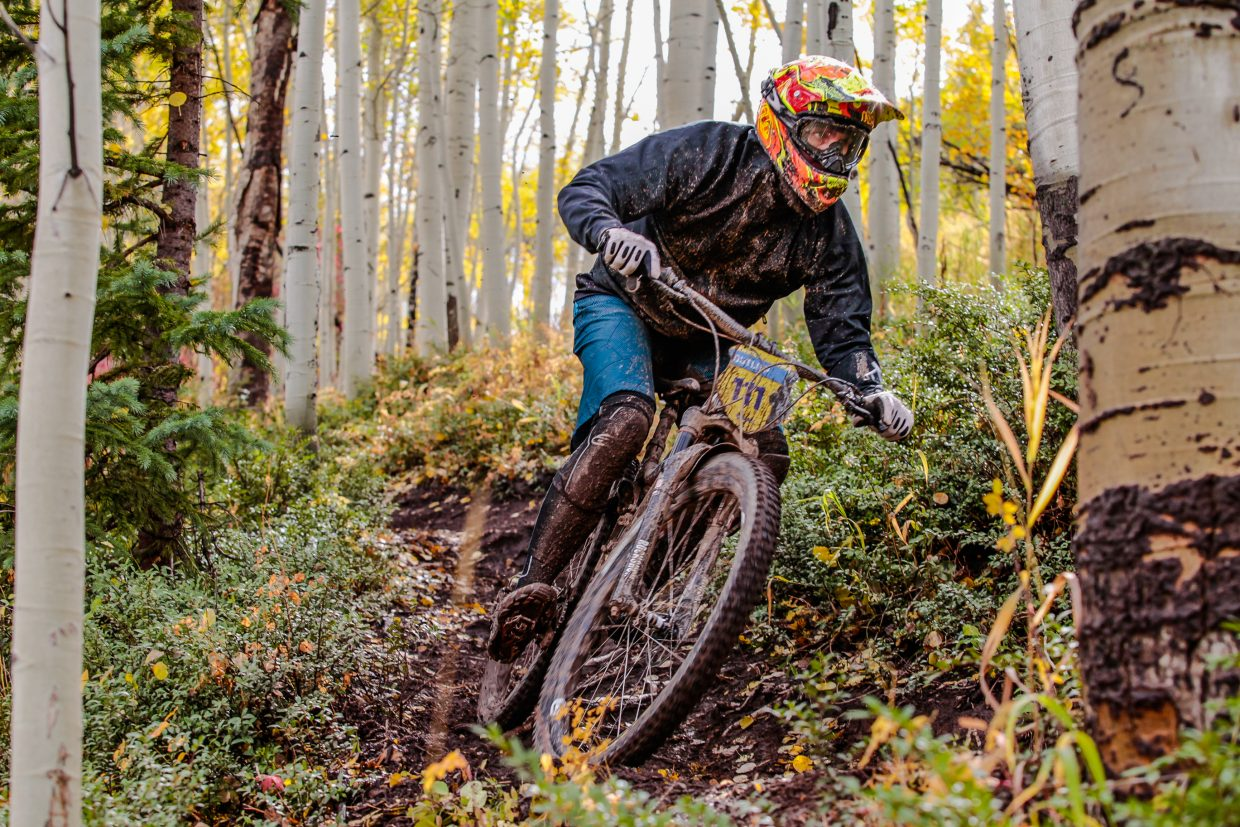 nears the finish on Mane Lane trail during the Rockshox Enduro race of the Outlier Offroad Festival Sunday, Oct .1 in Vail.