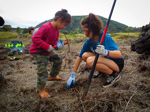 3000 miles from home, VMS Upper School students learned about the culture and traditions of Hawaii. Service work played an import role in this Intraterm course and included this planting project in which the group planted 175 native and endangered species of plants and trees in the Puʻu Waʻawaʻa Forest Reserve.