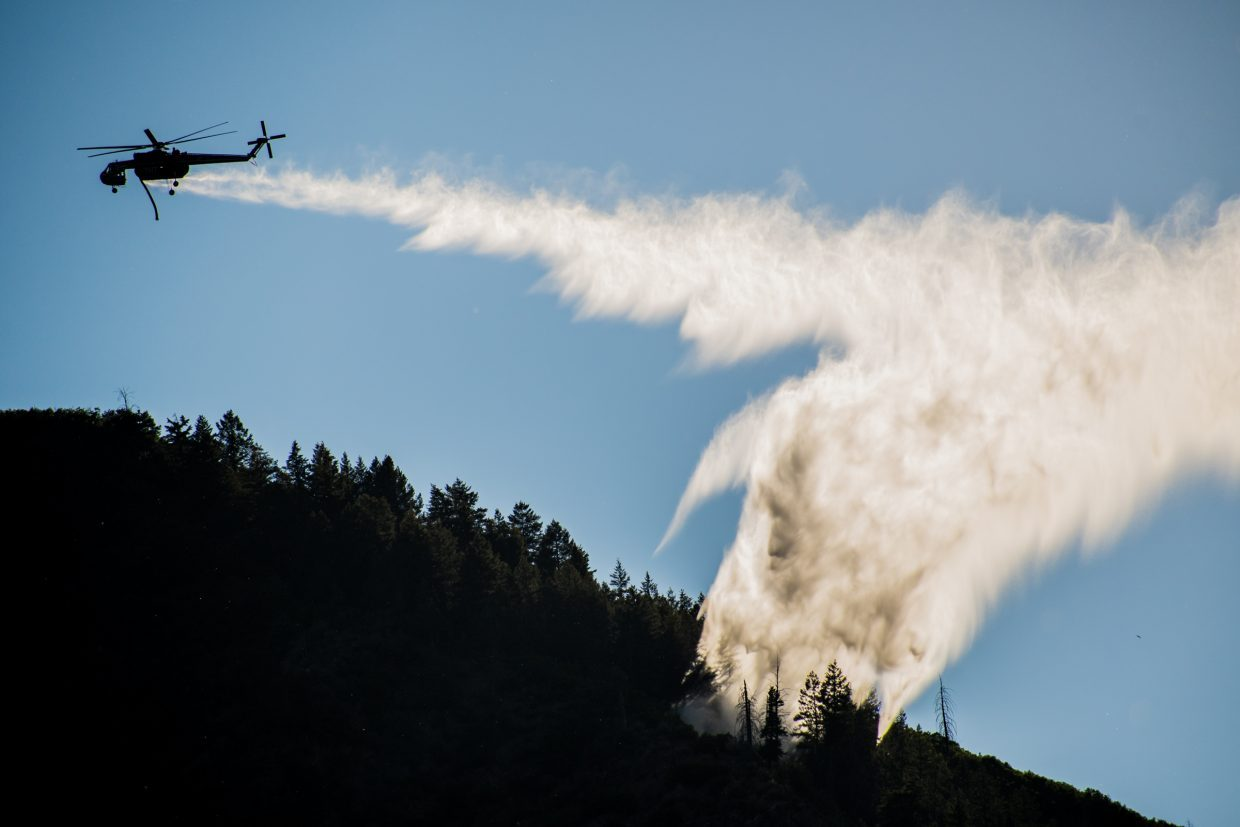 photo - firefighting helicopter Iron Mountain