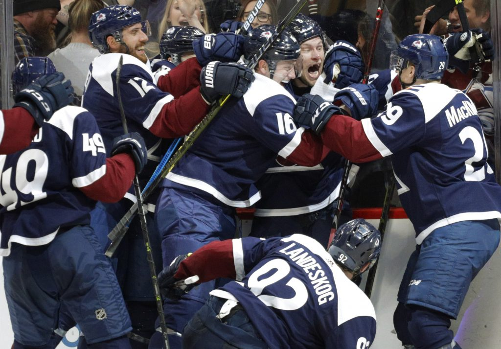 new style 509bc 0c7a6 Avalanche beat Jets 3-2 to earn playoff spot | VailDaily.com