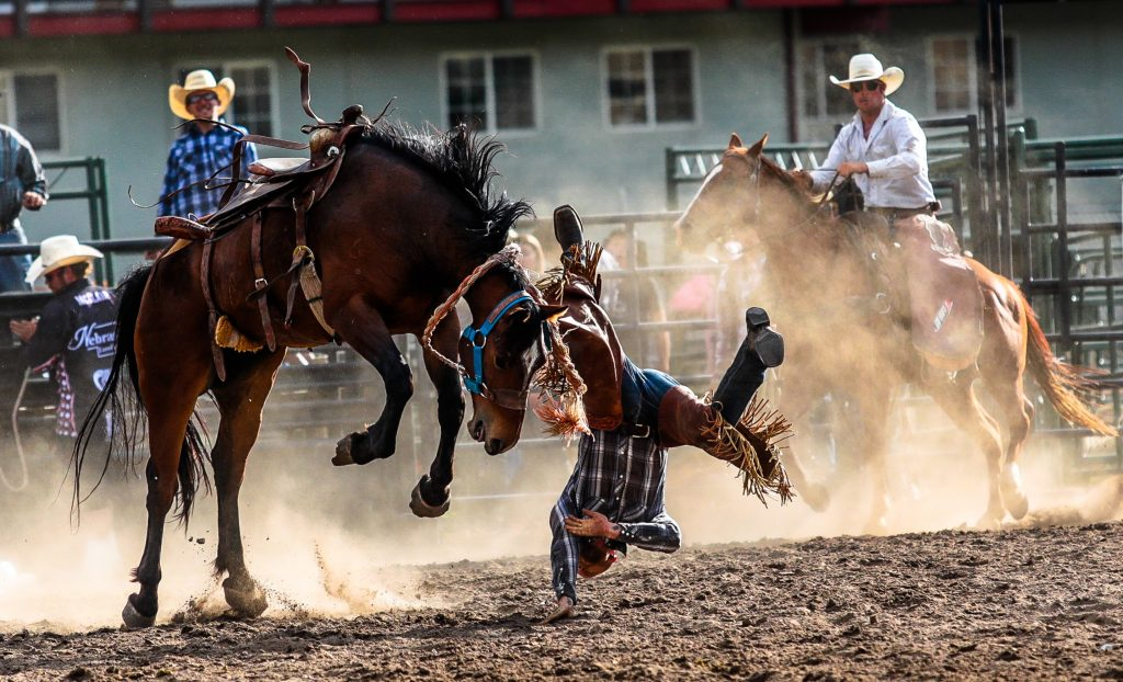¡Gana dos billetes a Eagle County Rodeo!