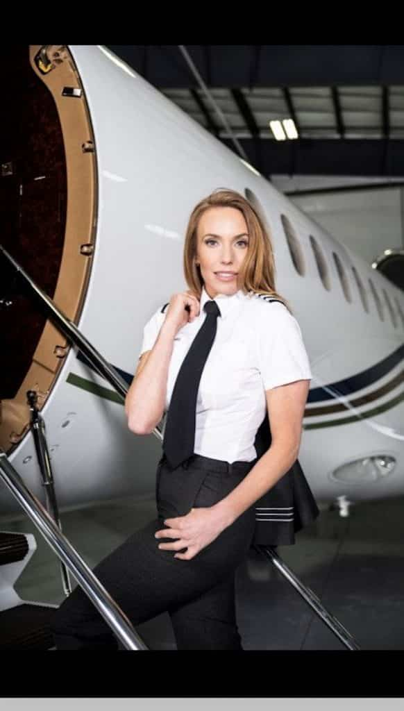 Vail Valley jet pilot Isabelle Moore has achieved all sorts of things, and is now taking a run at Jetset magazine's Miss Jetset title.