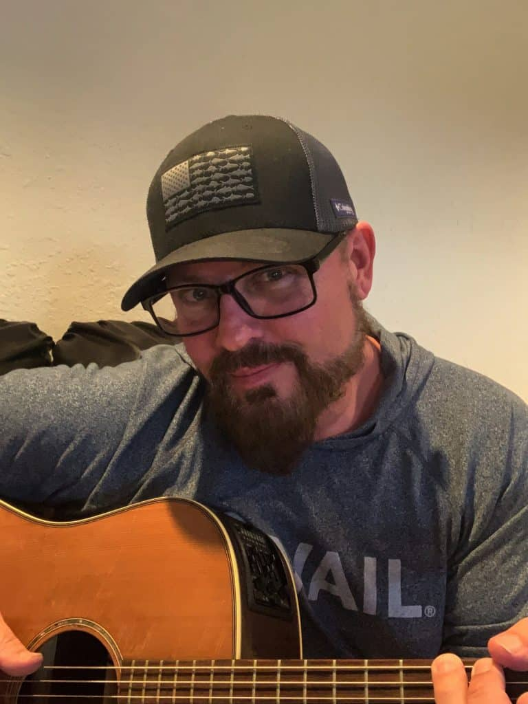 Scott Munns is keeping his shows as lively and fun as he can and loves seeing comments from all over the world during his online performances.