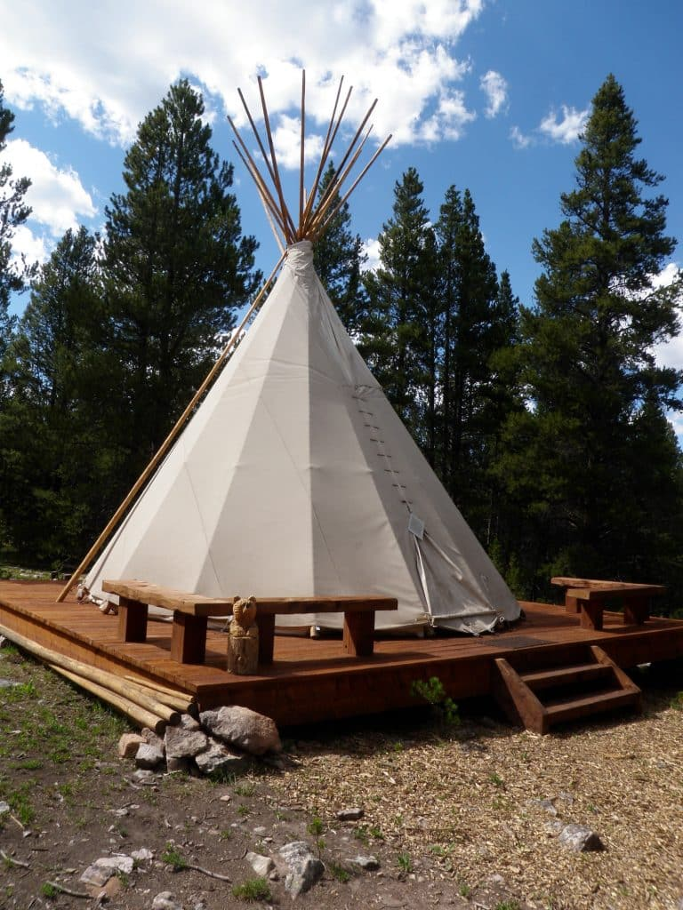 The Continental Divide and Point Breeze Cabins provide easy access to multiple hiking and mountain bike trails, a campfire area, an authentic tipi, remnants of a historic mine and extensive forest exploration.