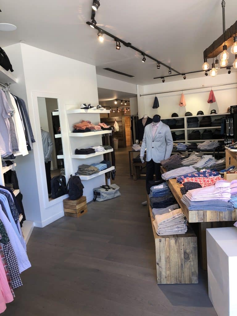 Looking for a Father's Day gift idea? Pick up a pair of jeans, shirt, sweater or let dad pick something out with a gift card. Stop by Grey Salt in Vail to learn more about their gift card promotion that can be used during 2020.