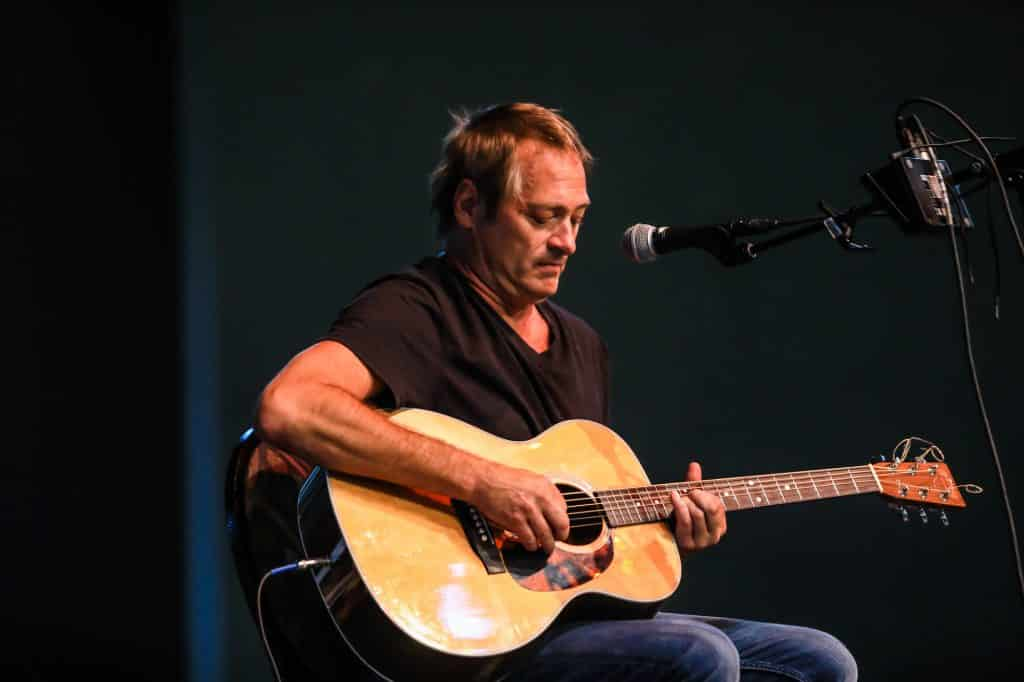 Founder and lead singer of The Samples, Sean Kelly, played a few solo acoustic sets during Tuesday's show.