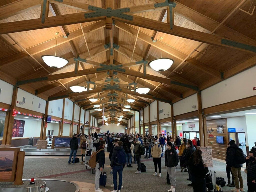 Eagle County Regional Airport officials expect traffic volume to increase with the new flight option. (Vail Daily file photo)